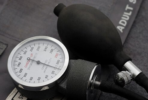 Low Blood Pressure (Hypotension): Symptoms, Signs, Causes