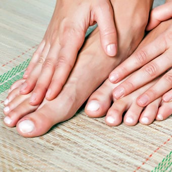 Nail Fungus Treatment, Symptoms, Medications, Causes & Pictures