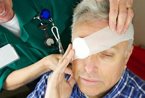 An optometrist can remove a foreign body from the eye under certain circumstances.