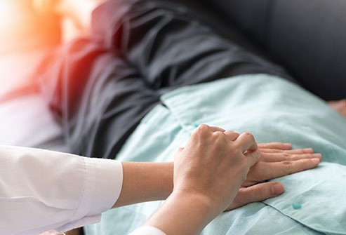 Gastritis causes abdominal pain, nausea and other symptoms.