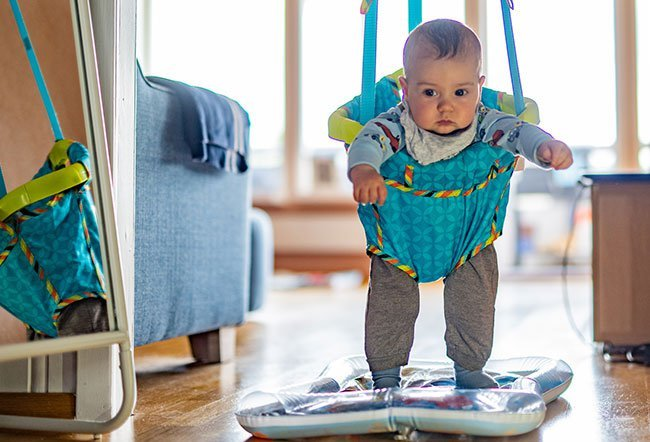 Jumpers or jumperoos are the combination of swing and spinning of the baby seat.