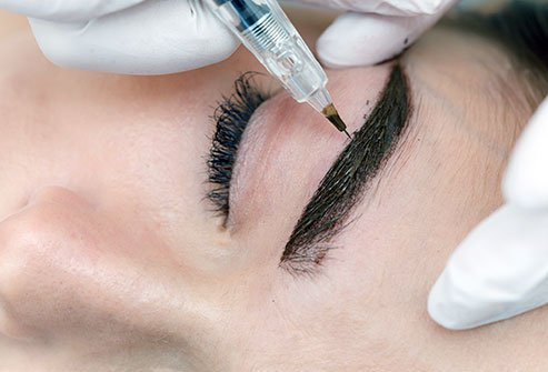 There are several differences between micropigmentation and microblading.