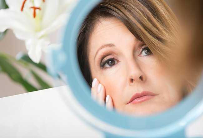 There are numerous options for reducing the appearance of wrinkles. Some methods are as easy as applying the right skin cream. Other tactics involve surgery and significant recovery time.