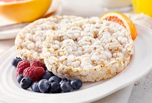 Rice cakes are a great alternative to high-calorie and high-fat snacks.