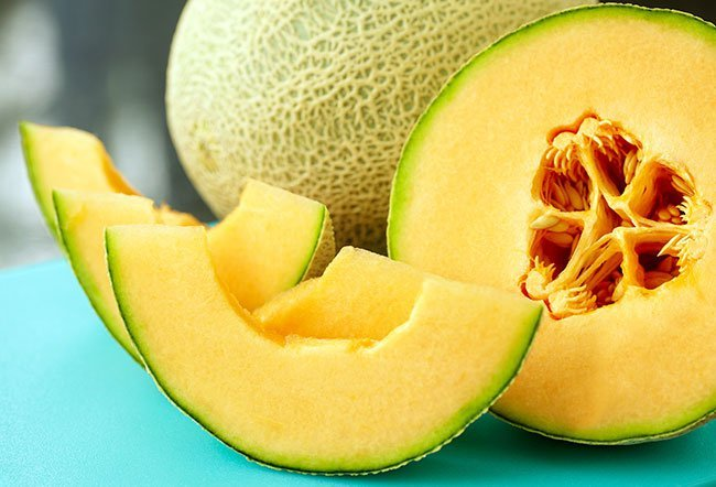 There are many health benefits of eating cantaloupe.