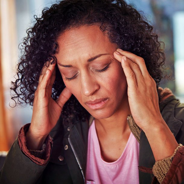 Eye pressure headaches cause mild to moderate pain and pressure behind the eyes, which are usually caused by migraines, tension headaches, and other conditions. Pain relief for eye pressure headaches can include pain relievers (aspirin, nonsteroidal anti-inflammatory drugs [NSAIDs], acetaminophen [Tylenol], caffeine-containing analgesics) and home remedies (heat, ice, massage, rest, biofeedback).