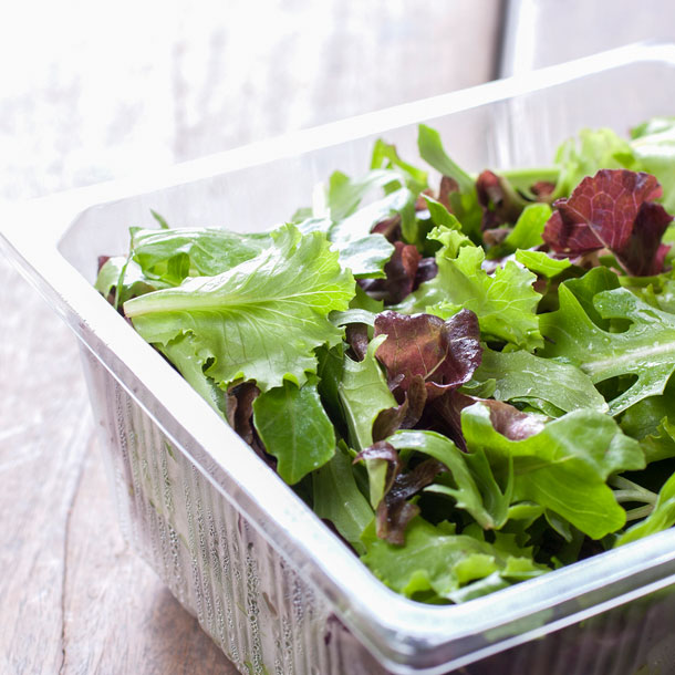 An outbreak of cyclospora infections in the U.S. Midwest appears to be linked to bagged salad mixes.