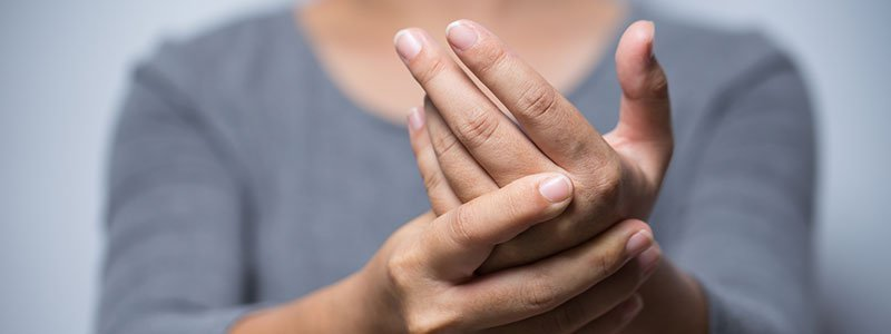 Tingling in Hands and Feet: Check Your Symptoms and Signs