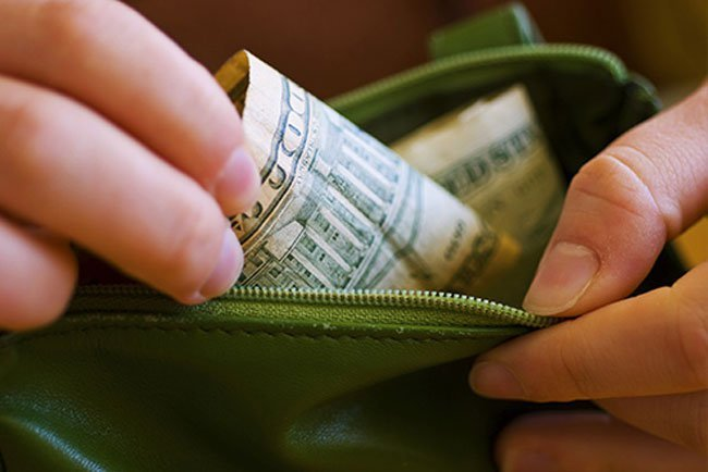 You're more likely to buy healthy foods when you pay with cash.