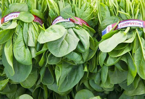 Photo of raw spinach.