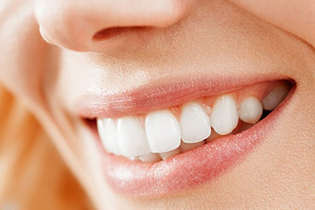 A cup of matcha tea a day might help keep your teeth in good shape.