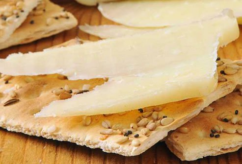 Cheese and crackers are a sensible bedtime snack.