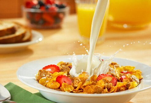 Studies have found that eating breakfast may improve short-term memory and attention.