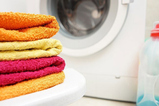 Change or wash your towel at least once a week to prevent nail fungus, itching, athlete's foot, and warts.