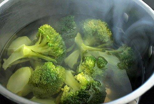To add flavor, dress up steamed broccoli with a little olive oil, sea salt, and lemon juice.
