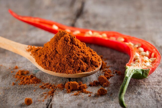 Capsaicin nasal spray may help stop migraines.