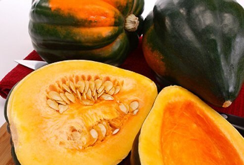 Baked acorn squash is a great winter food.