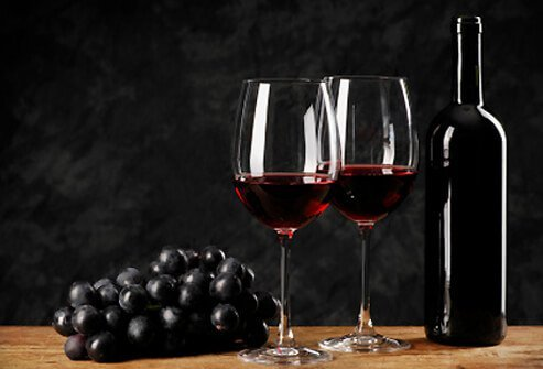 Red wine contains types of flavonoids called catechins.