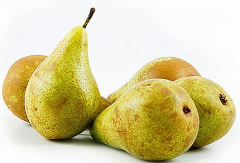 n one study, organic pears were shown to have more antioxidants, including vitamin C, than conventional pears.