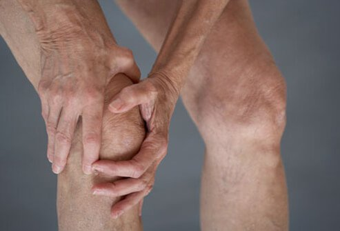 Knee pain is a common OA symptom.