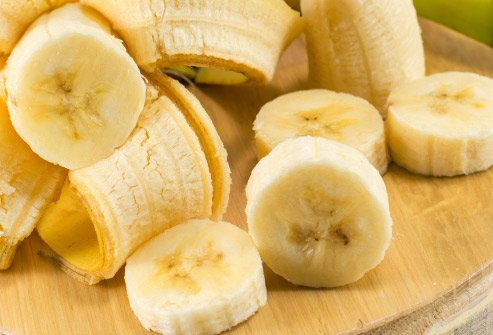 Bananas are loaded with potassium that helps prevent stroke and boosts cardiovascular health.