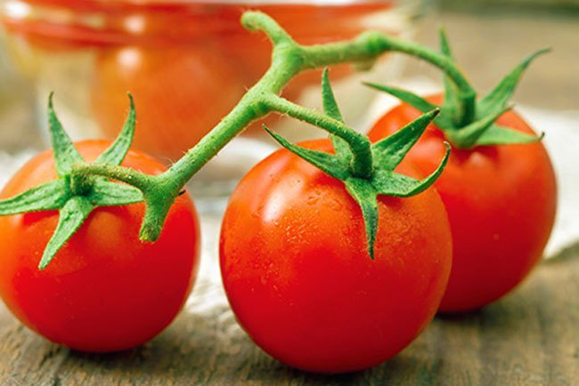 There is talk out there that tomatoes, eggplants, potatoes, and peppers can make your RA symptoms worse.