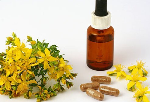 Diffrent types of herbal supplements.