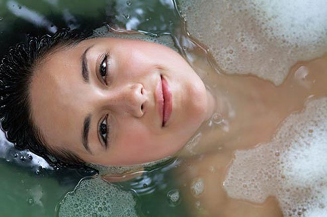 A warm bath before bed can help you sleep and improve your skin!