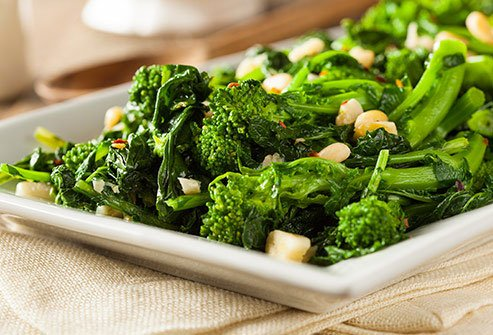 A side of broccoli rabe serves up 3 grams of protein per serving.