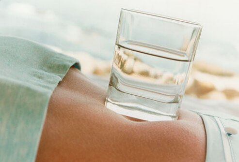 Drinking cool water speeds up metabolism and has healthy weight loss benefits.
