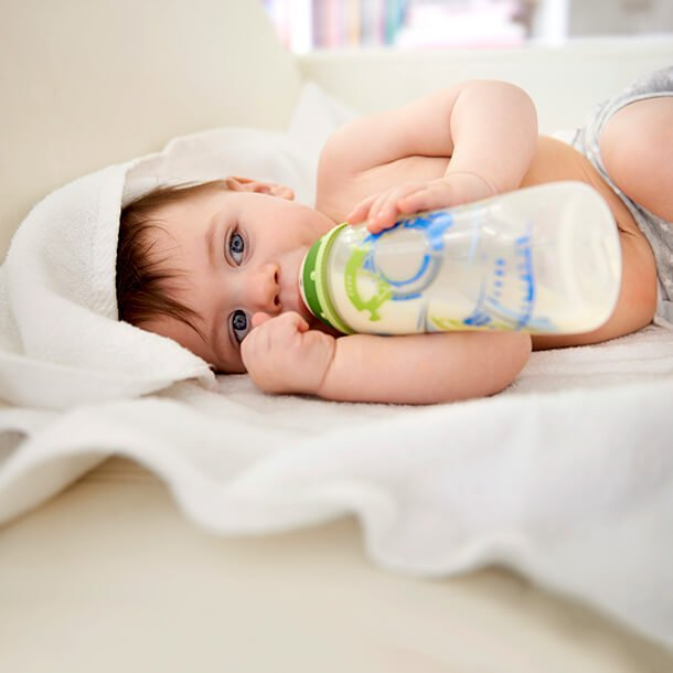 Whether breastfeeding or bottle feeding, parents have to decide when it's time to start weaning their child, which means to gradually substitute one food source with another.