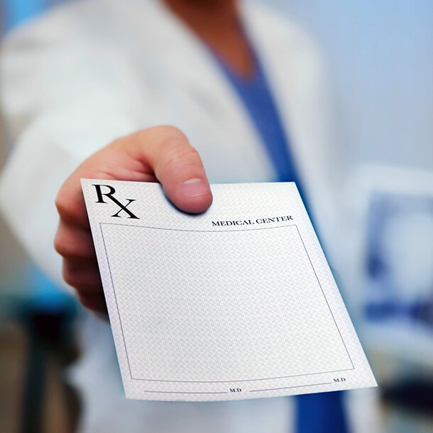 There is currently insufficient evidence to recommend any particular medication for treatment of COVID-19, an expert panel of the Infectious Diseases Society of America (IDSA) has concluded.